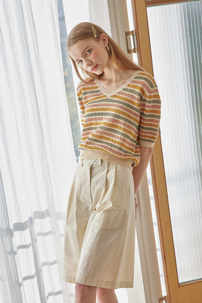 V-Neck Stripes Knit Top (beige)
